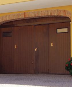 garage legno scuro nuova metalporte