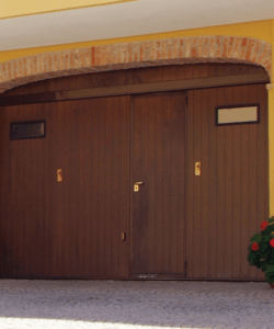 garage legno scuro